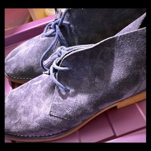 Women's blue suede Hush Puppies chukka boots
